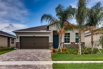 Hobe Sound Single Family Home For Sale: 7241 SE SEbona Court
