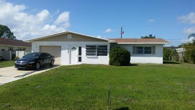 Port Saint Lucie Single Family Home For Sale: 1437 SE Griffin Terrace