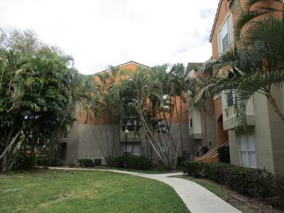 Delray Beach Condo For Sale: 1845 Palm Cove Boulevard #8-203
