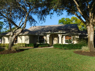 Single Family Home Contingent: 300 SW 40th Court
