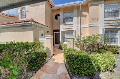 Boynton Beach Condo For Sale: 7669 Springwater Place #101
