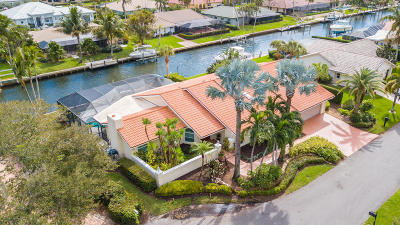 Hobe Sound Single Family Home For Sale: 9086 SE Harbor Island Way