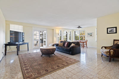 Palm Beach Condo For Sale: 3475 S Ocean Boulevard #101