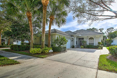 Martin County Single Family Home For Sale: 8076 SE Double Tree Drive