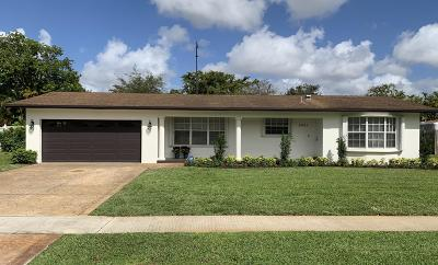 Plantation Single Family Home For Sale: 5431 SW 1st Street