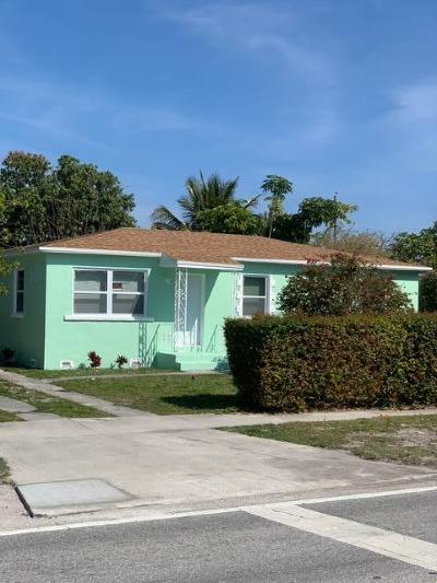 Lake Park Single Family Home For Sale: 247 Silver Beach Road