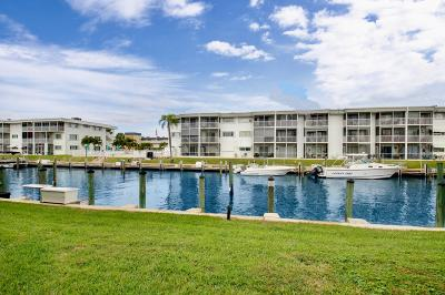 North Palm Beach Condo For Sale: 112 Doolen Court #205