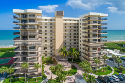 Jensen Beach Condo For Sale: 10044 S Ocean Drive #408