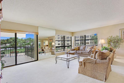 North Palm Beach Condo For Sale: 364 Golfview Road #305