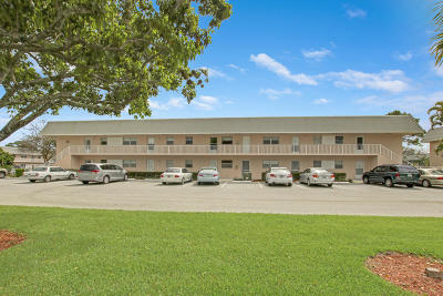 Jupiter Condo Contingent: 18081 SE Country Club Drive #21-210