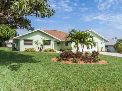 Hobe Sound Single Family Home For Sale: 8608 SE Woodwind Street