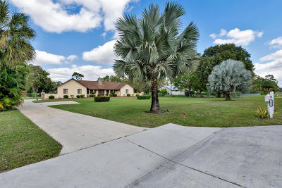 Royal Palm Beach Single Family Home For Sale: 11223 Persimmon Boulevard
