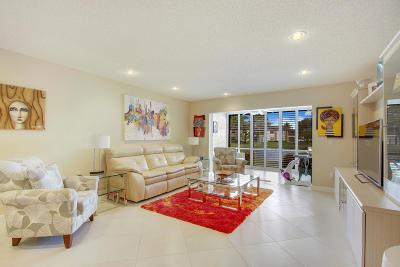 Boca Raton Condo For Sale: 9279 Vista Del Lago #E