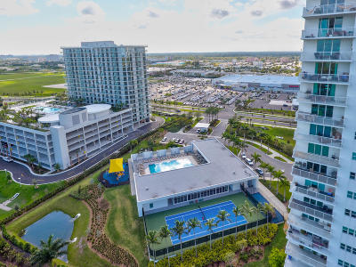 Miami-Dade County Condo For Sale: 15051 Royal Oaks Lane #401