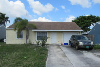 Boynton Beach Single Family Home For Auction: 5707 Pebble Brook Lane