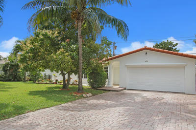 Delray Beach Single Family Home For Sale: 690 Heron Drive