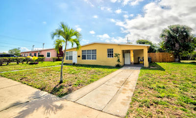 Lake Park Single Family Home For Sale: 714 Date Palm Drive