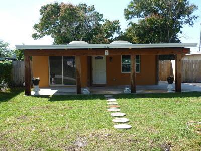 Delray Beach Single Family Home For Sale: 1042 SW 7th Avenue