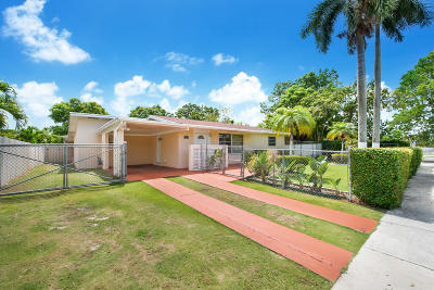 Miami Single Family Home For Sale: 17861 SW 112th Place