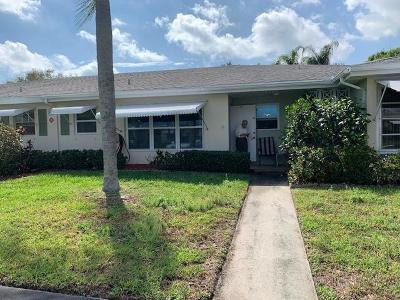 Fort Pierce Condo For Sale: 423 Sandpiper Drive #C