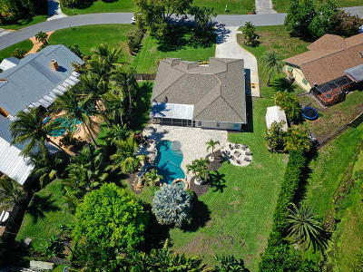 Martin County Single Family Home For Sale: 2827 NE Cold Spring Drive