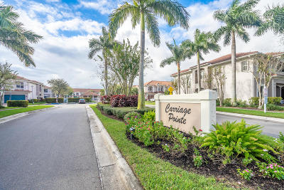 Boynton Beach Townhouse For Sale: 55 E Lancaster Road W #1