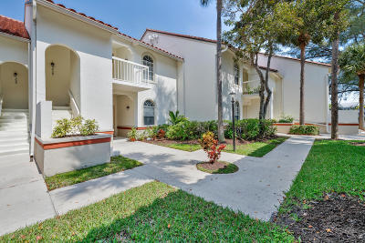 Palm Beach Gardens Condo Contingent: 230 Cypress Point Drive