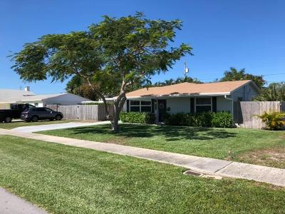 North Palm Beach Single Family Home For Sale: 912 Lighthouse Drive