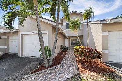 Deerfield Beach Townhouse For Sale: 1132 W Lakes Drive