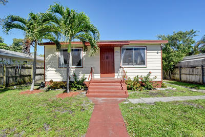 Delray Beach Single Family Home For Sale: 225 NE 13 Street