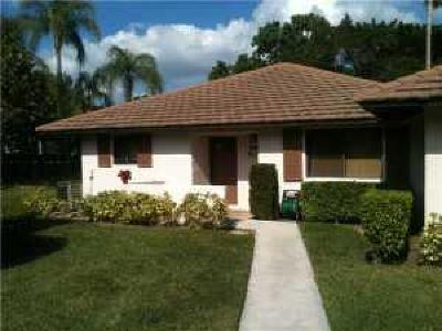 Palm Beach Gardens Single Family Home Contingent: 826 Club Drive