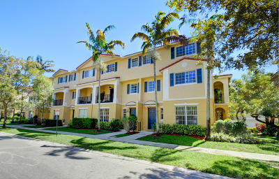 Delray Beach FL Townhouse For Sale: $290,000