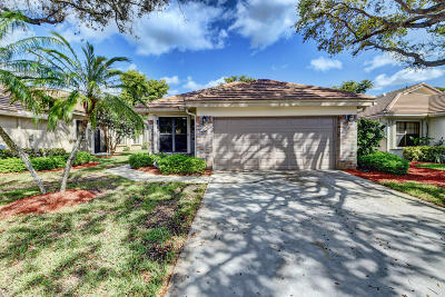 Delray Beach Single Family Home For Sale: 4695 Sherwood Forest Drive