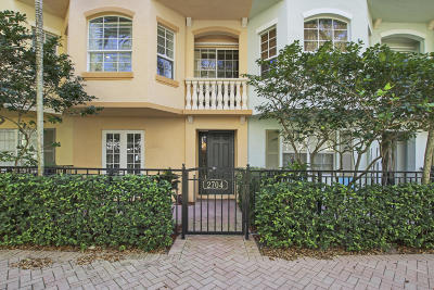 Palm Beach Gardens Townhouse For Sale: 2704 Ravella Way