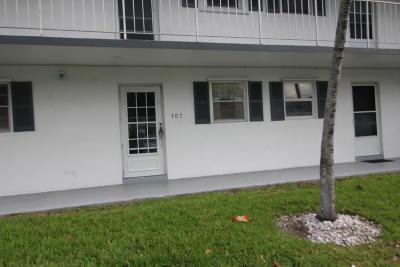 Boynton Beach Condo Contingent: 1111 Lake Terrace #107