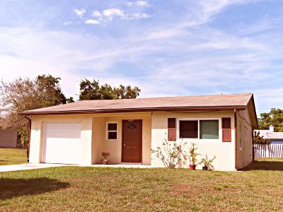 Fort Pierce Single Family Home For Sale: 7606 Deland Avenue