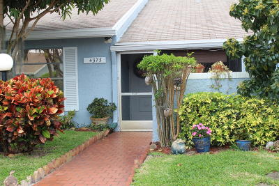 Lake Worth Single Family Home For Sale: 4375 Lucerne Villas Lane
