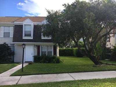 Townhouse Pending: 201 Old English Drive