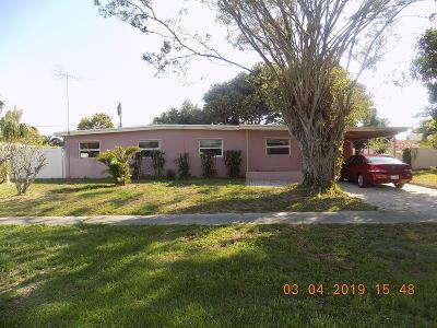 Lake Worth Single Family Home For Sale: 1705 Osborne Circle