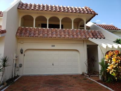 Delray Beach Townhouse For Sale: 118 Harbor Circle