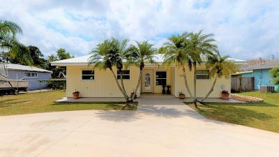 Hobe Sound Single Family Home For Sale: 8360 SE Camellia Drive