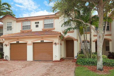 Delray Beach Townhouse For Sale: 16178 Poppyseed Circle #804
