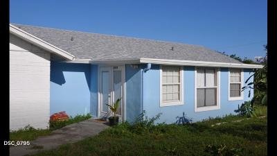 Hobe Sound Single Family Home For Sale: 8330 SE Lundy Street