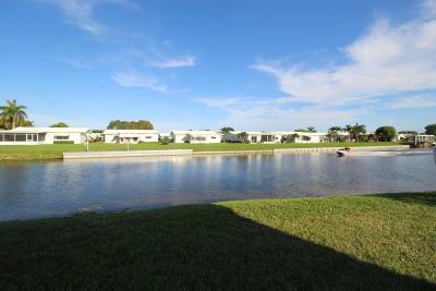 Boynton Beach Condo For Sale: 1112 Lake Terrace #204