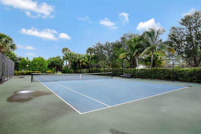 Palm Beach Gardens Condo For Sale: 4907 Midtown Lane #1409