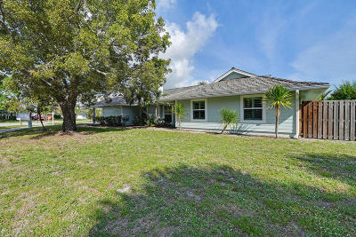 Tequesta Single Family Home Pending: 1 Pinehill Trail W