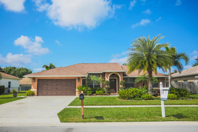 Royal Palm Beach Single Family Home For Sale: 112 Laurel Way