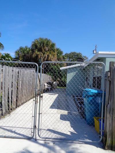 Boynton Beach Single Family Home For Sale: 3130 E Atlantic Drive