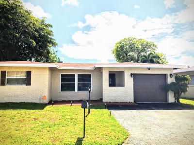 Deerfield Beach Single Family Home For Sale: 910 NW 48th Place