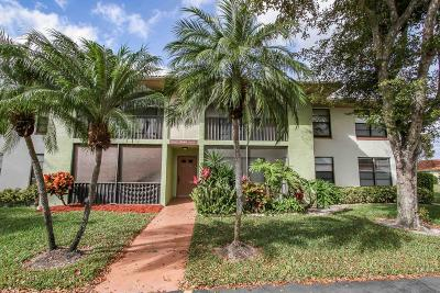 Boynton Beach Townhouse For Sale: 9840 Pineapple Tree Drive #105